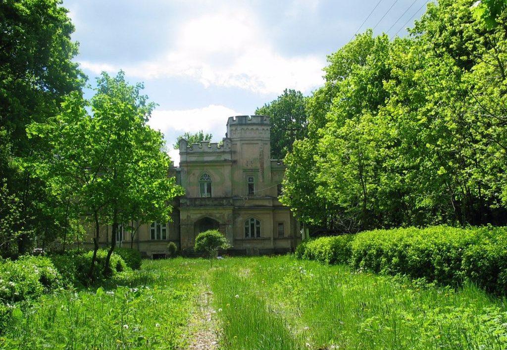 Замок в польше купить авито дубай купить квартиру