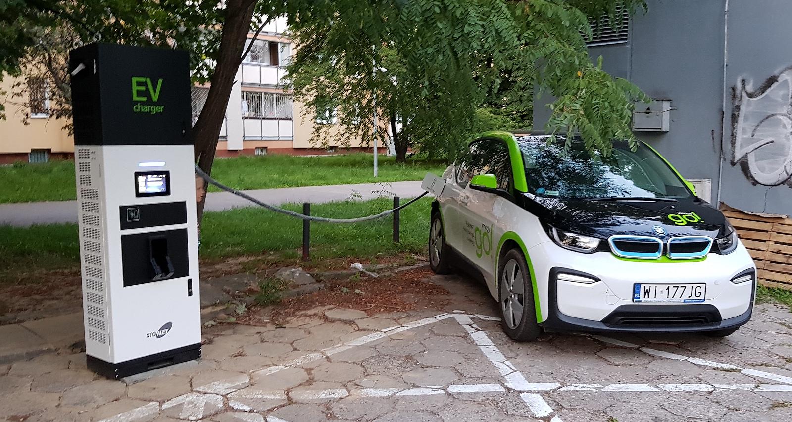 Правительство Польши готово доплачивать полякам за покупку электромобиля