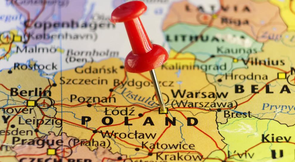 Польша разрешит работать белорусам в гуманитарными визами